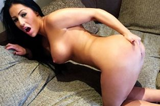 Fake Agent UK - Cock Loving Chick Gives Deepthroat