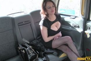 Fake Taxi - Vickie Powell Street Lady Fucks Cabbie For Cash
