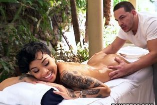 BangBros - Honey Gold Perfect Massage Ends With A Load BrownBunnies