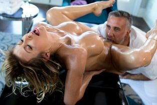 A Treat For Her Feet Alexis Fawx, Keiran Lee