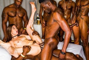 BlackedRaw - Riley Reid Girlfriend Gangbang At The After Party
