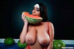RealityKings - Violet Myers Wetter Melons BigNaturals