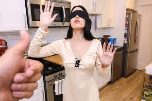 SisLovesMe - Alex Coal Banging Her Bird Box