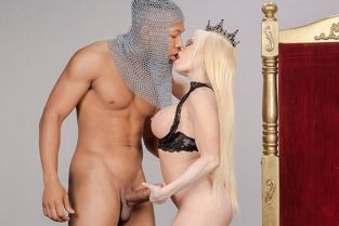 Nikki Delano Capture The Queen BigWetButts