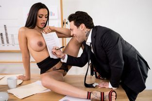 Luna Star Hot Negotiations BigTitsAtWork