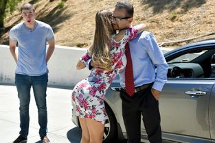 FamilyStrokes - Nicole Aniston Nutting In His Not Quite Aunt