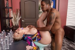 Ryan Keely Pounded By The Producer MilfsLikeItBig
