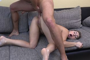 Analized - Julia Red House Call For Anal