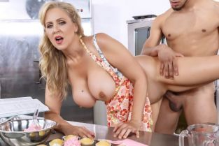 Julia Ann, Jay Savage Glazed and Cumfused [Best of Brazzers]