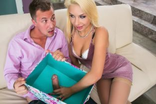 Jessy Jones, Carmen Caliente The Gift Registry [Best of Brazzers]