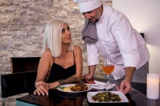 Keiran Lee, Madelyn Monroe Pussy For The Private Chef [Best of Brazzers]