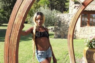 JacquieetMichelTV - Lyna Immoral blackette…
