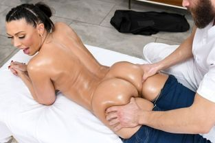 Rachel Starr Leave My Jeans On DirtyMasseur